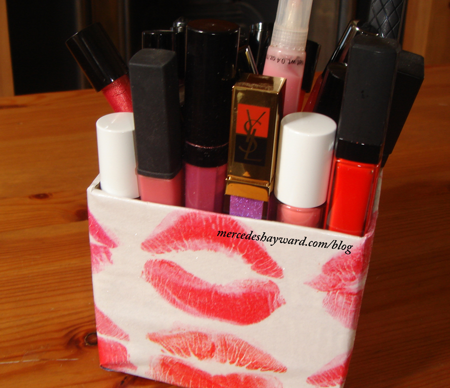 DIY- Lip Gloss Holder Using Magazine Clippings